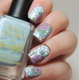 Blue Vintage Floral Nails