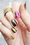 Gold Peacock Feather Rhinestone Nail