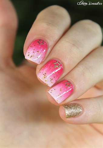 Pink Gradient Gold Star Nails