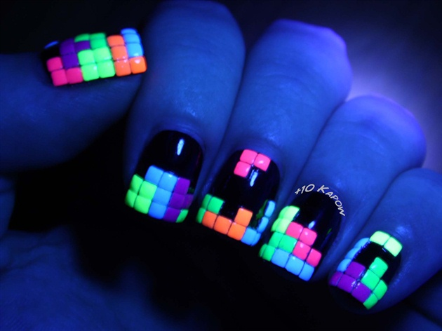 Awesome Luminous Neon Studs Nails
