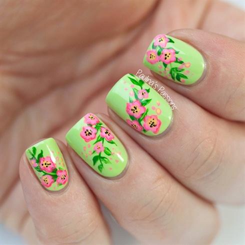 Green Floral Drawing Nails