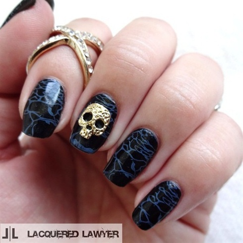 Amazing Dark Skull Nails
