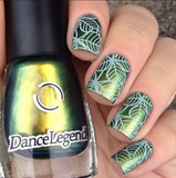 Stunning Green Leaf Stamping Nails