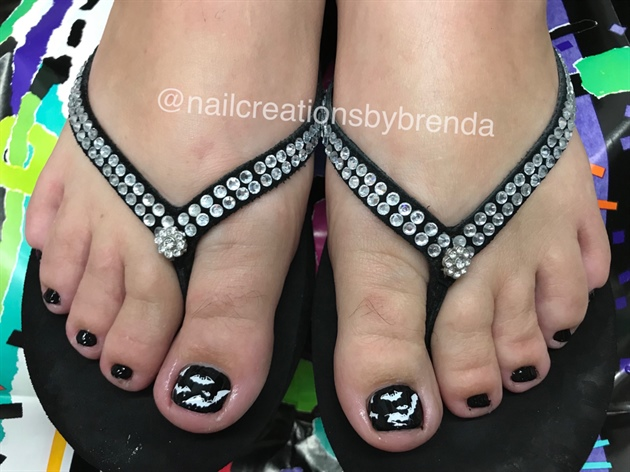 Batty Toes