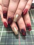 Plaid Christmas nails