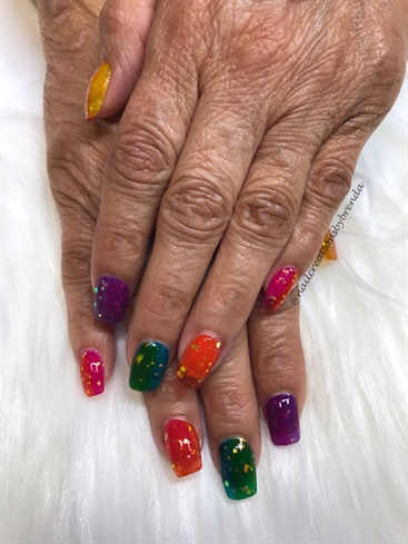 Number to multicolored jelly nails