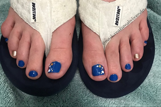 Blue and gold chunk confetti toes