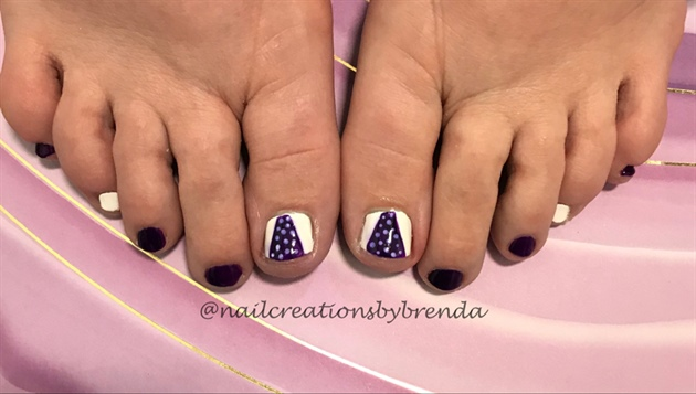 Purple and polkadot toes