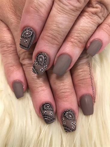 Bandanna nails