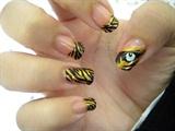 tiger nail art!!