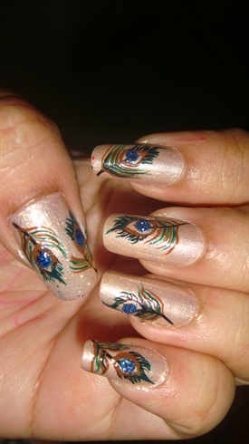 Peacok feather nail art