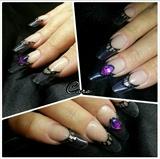 Vitrail acrylic nails