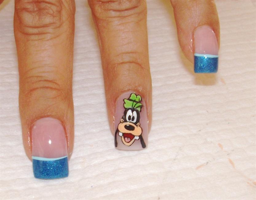 Goofy Free Hand Nail Art Gallery