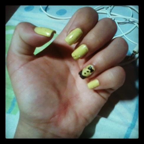yellow nail