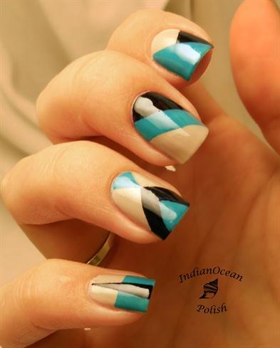 Colour Blocking: Turquoise, black, nude