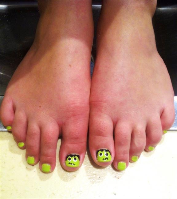Frankenstein Pedicure Nail Art Gallery