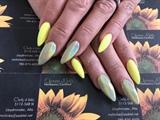 Yellow Stiletto