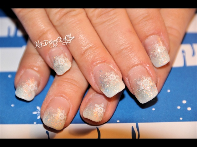 Simple Snowflakes Nail Art Gallery
