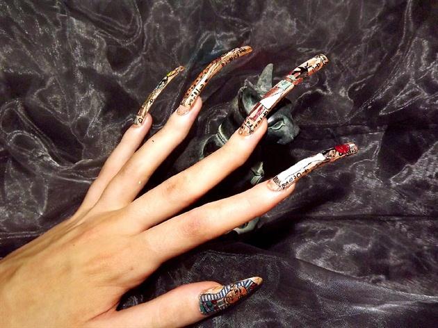 Hieroglyphics nail art..