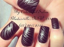 nail art: Mate black with shiny zebra