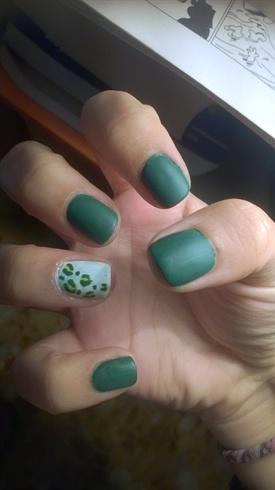 Green leopard matte