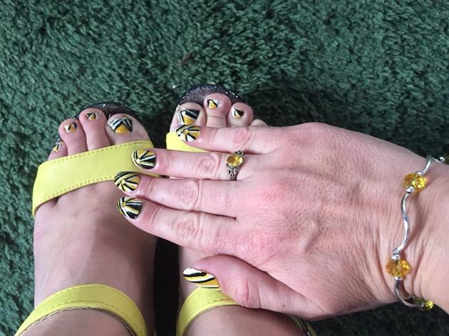 Bumblebee Blaze--Toes
