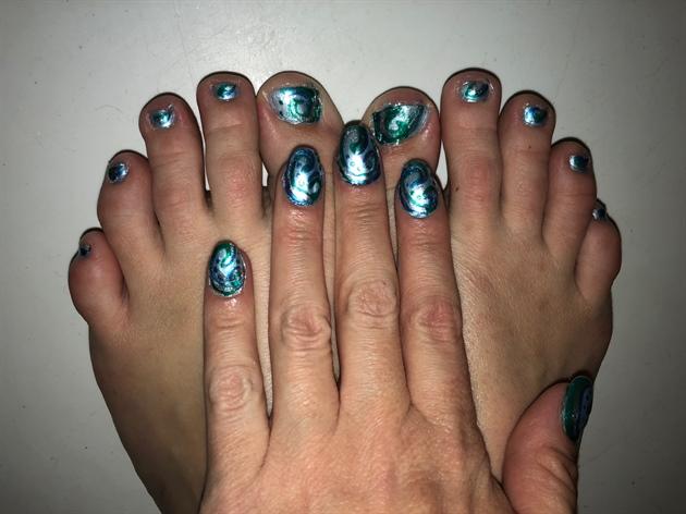 Wavy Ocean Currents--Toes