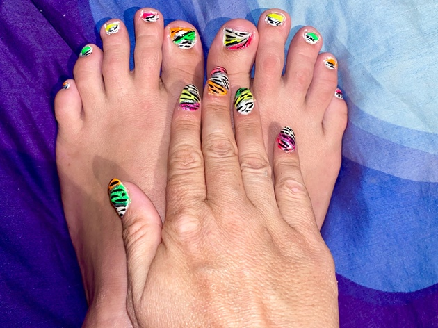 Crazy Neon Glitter Zebra Nails!--Toes