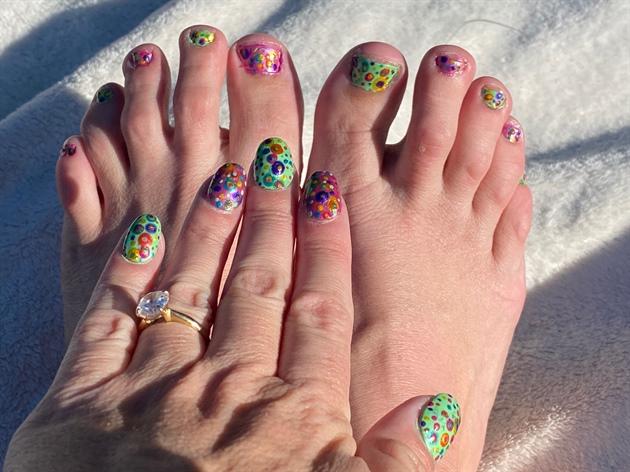 Murakami Party--Toes