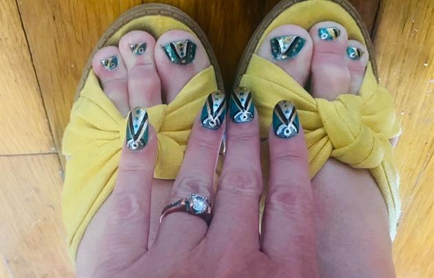Aqua Art Deco--Toes