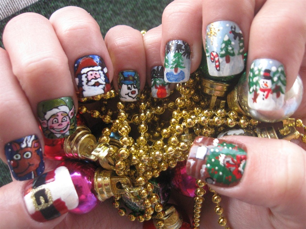 Christmas Scene and Characters