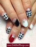 Houndstooth pattern nails