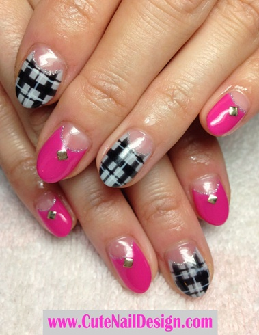 Plaid Pattern Nails