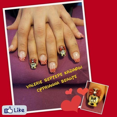 Nail art Minnie