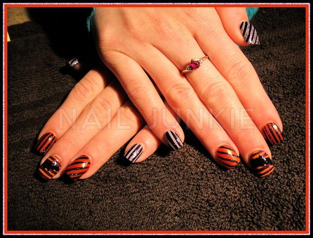 Halloween Stripes Bats Nail Art Gallery