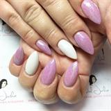 Pretty Sparkle Nails