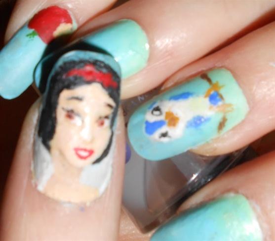 Disney Snow White Nail Art