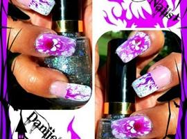 nail art: Flaming Skull