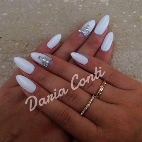 White 💅🏻