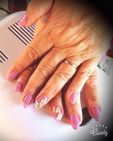 Nani Cuba Nails