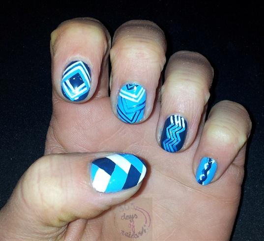 Blue abstract nails