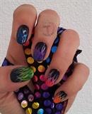 'HOT' nails