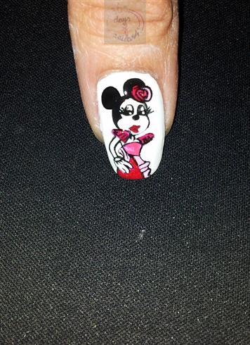 "OPI's ""Couture de Minnie"""
