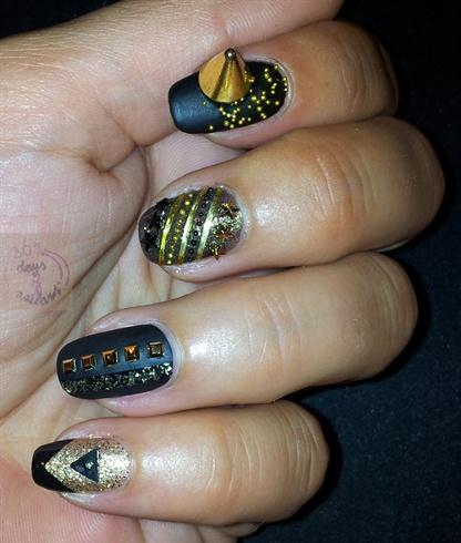 Classy rock nails