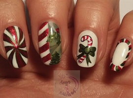 nail art: Candy striped Christmas nails