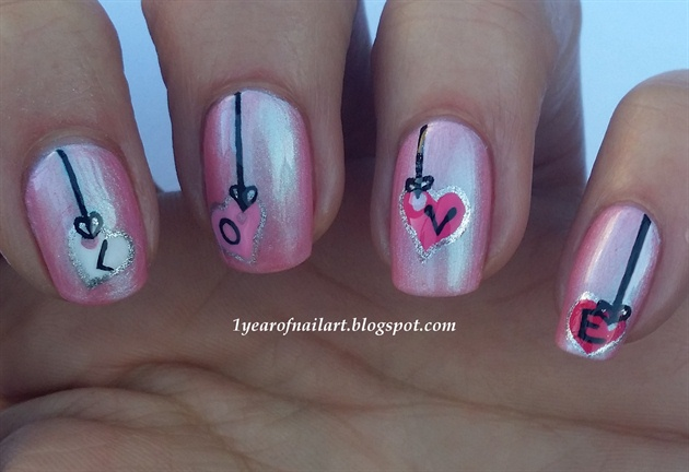 Valentine heart tags nail art