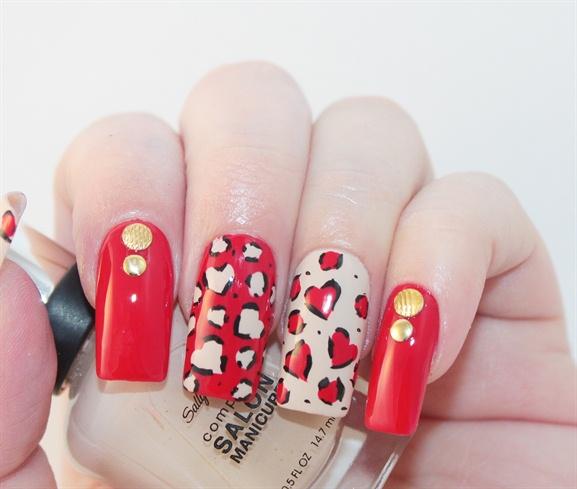 Heart Leopard Print Nails