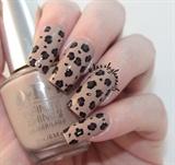 Simple Leopard Print Nails