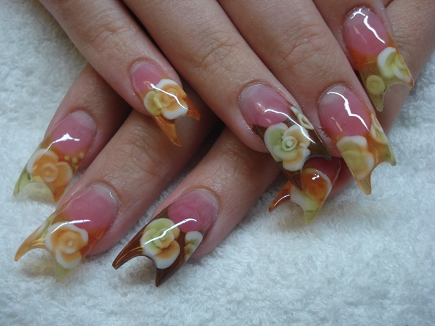 Moscow Pressed Flowers Nail Art Gallery