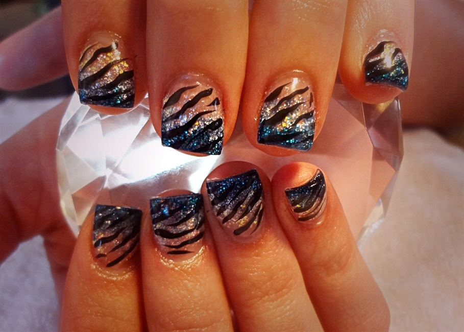 Colorful Tiger Stripe Nails Photo - Nail Paint Design Ideas ...